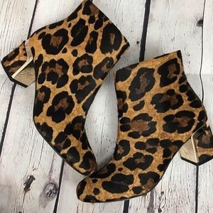 DKNY Corrie Leopard Calf Hair Block Heel Booties 8